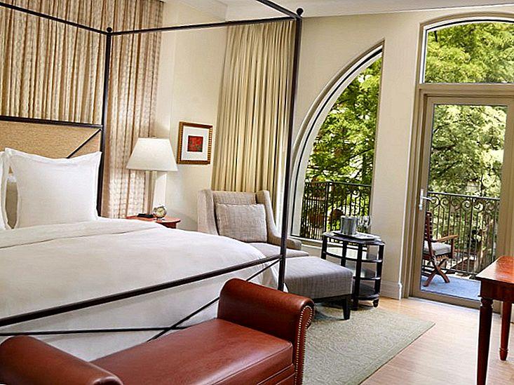 10 Cele mai bune hoteluri lângă San Antonio Riverwalk