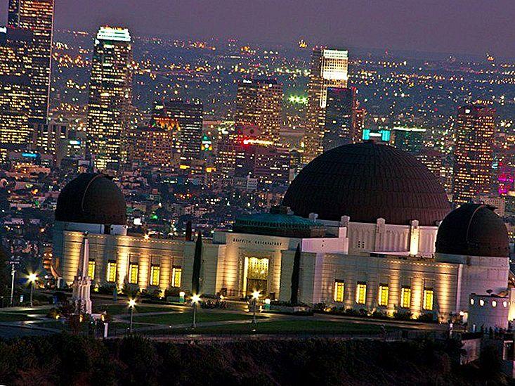 17 Atracții pe care trebuie să le experimentați în timp ce vizitați Los Angeles