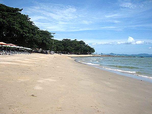 8 Frumoase plaje cu nisip negru din lume