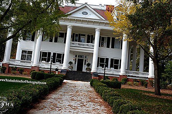 Mystic Grill din Covington, Georgia este mai mult decât un hub pentru fanii jurnaliilor vampiri