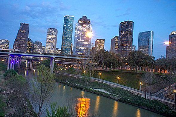 Houston la Dallas - Top 8 lucruri de făcut în călătoria dvs. rutieră
