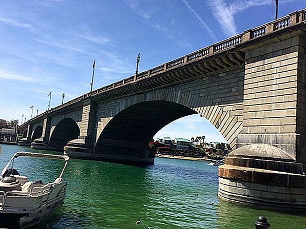 ハバス湖とロンドン橋