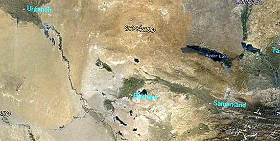 キルギスタンのSong Kulへの独立したトレッキング