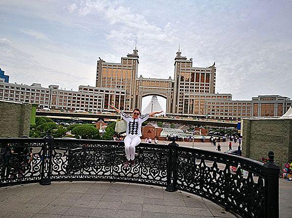 Astana, Kazahstan: Orașul noaptea