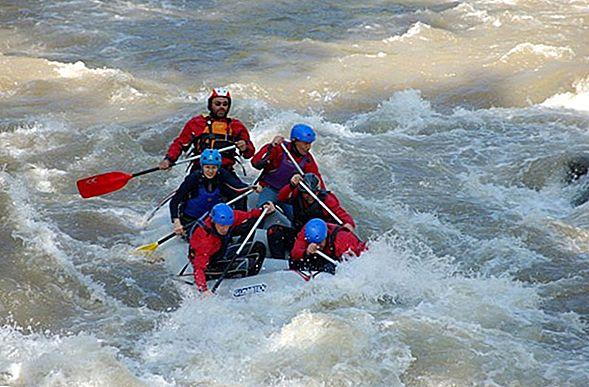 Огромный рафтинг по реке Оттава
