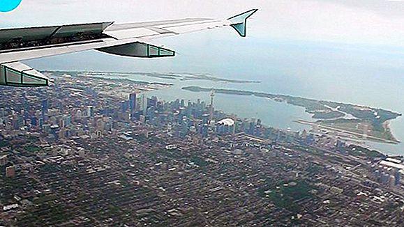Toronto Scenic Flight - นั่งชมทิวทัศน์อันน่าตื่นเต้นบนท้องฟ้า