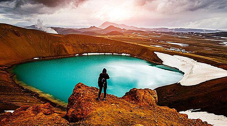 Holen Sie sich 4.500 $ / Monat, um nach Island zu ziehen und den ganzen Sommer zu reisen