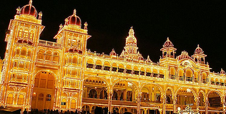 CELEBRATING DUSSEHRA - เมือง Mysore, Kullu & Bastar