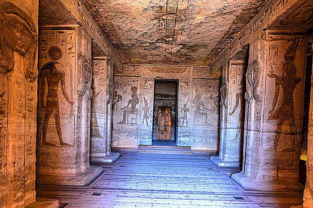 南エジプトの墓と寺院の秘密 - ロンリープラネット