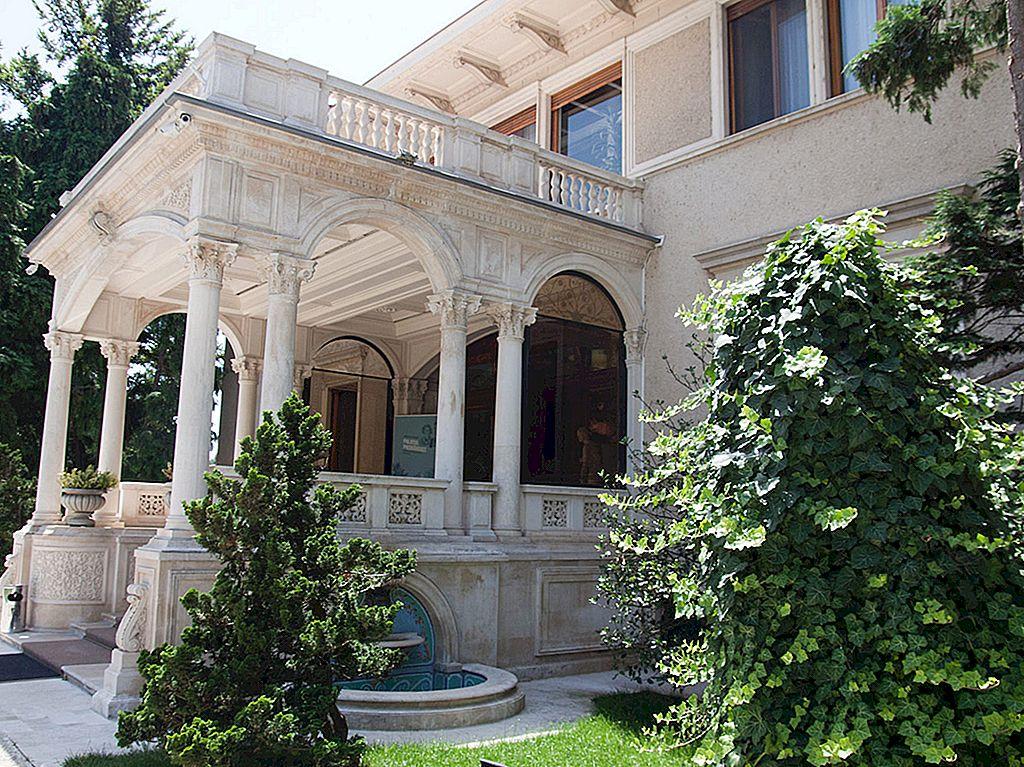 Spøkelsene i Bucharests fortid: en tur til Spring Palace