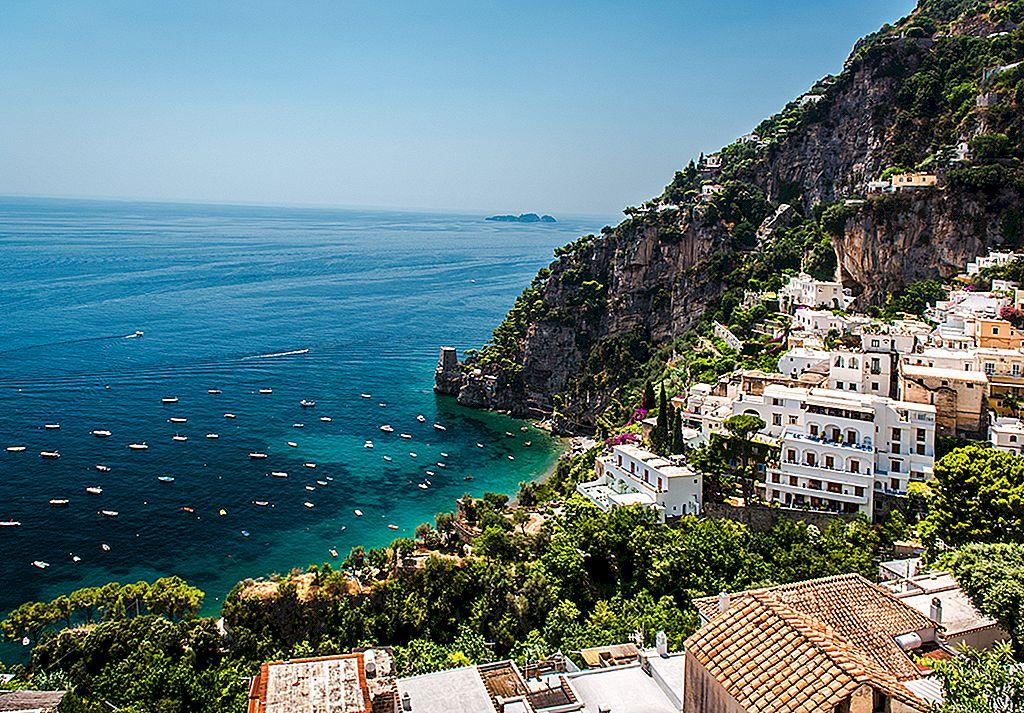 วางแผนการเดินทางที่สมบูรณ์แบบของคุณไปยังชายฝั่ง Amalfi