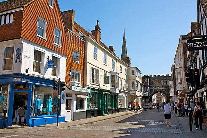 Magna Carta and beyond: ก้าวย้อนเวลากลับไปใน Salisbury