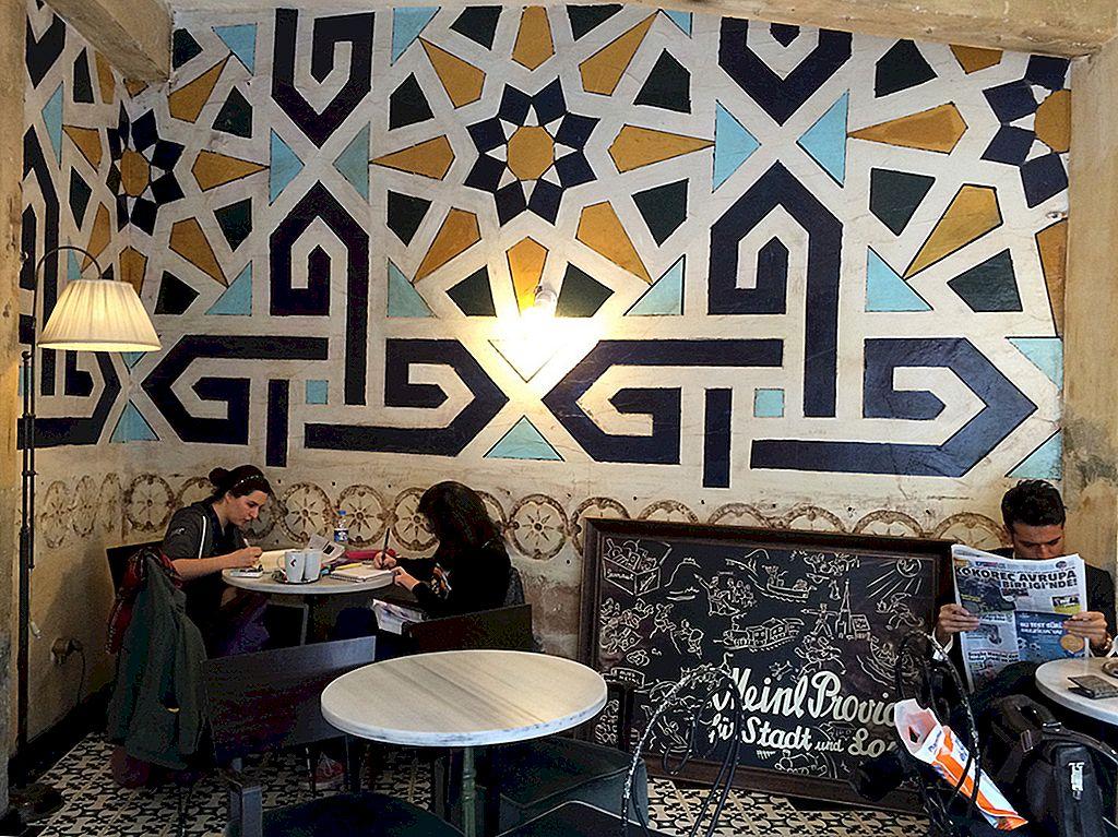 Ridicarea lui Karaköy: cartierul cel mai hippest al orașului Istanbul - Lonely Planet