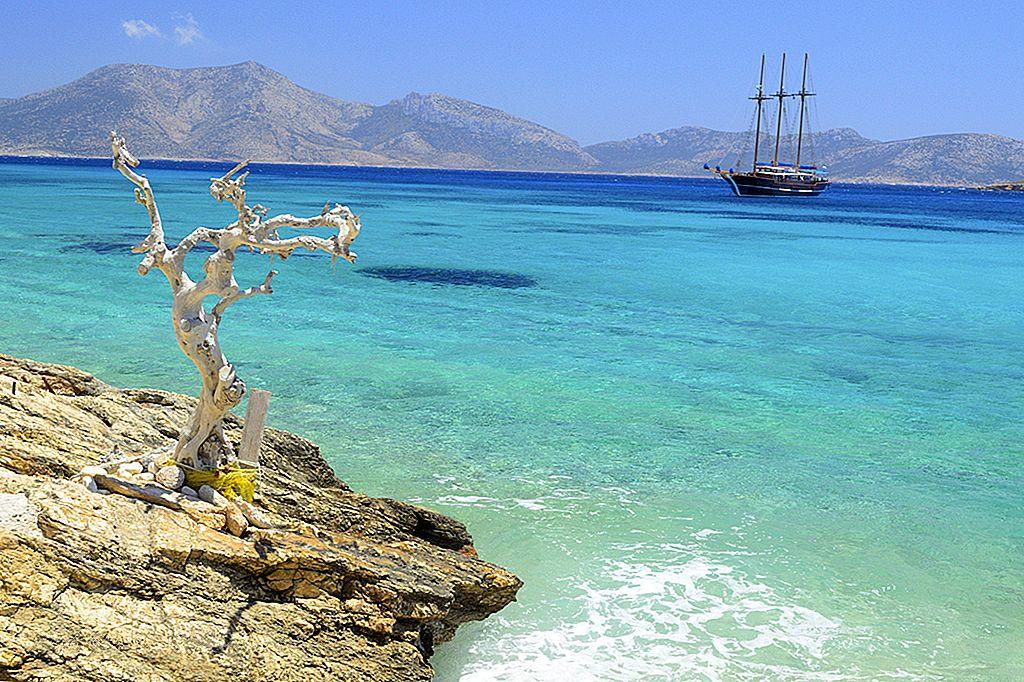 สำรวจเกาะเล็กคิคลาดีส - Lonely Planet