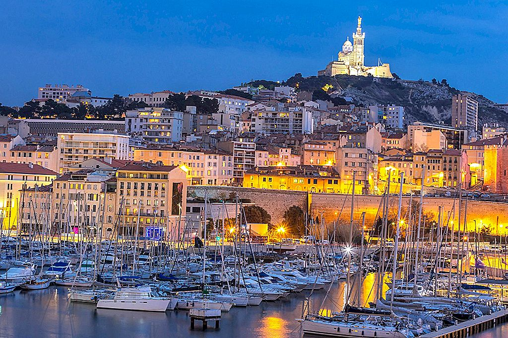 Vrei un apus de soare cu asta? 10 baruri de aperitive în Marsilia cu vederi magnifice
