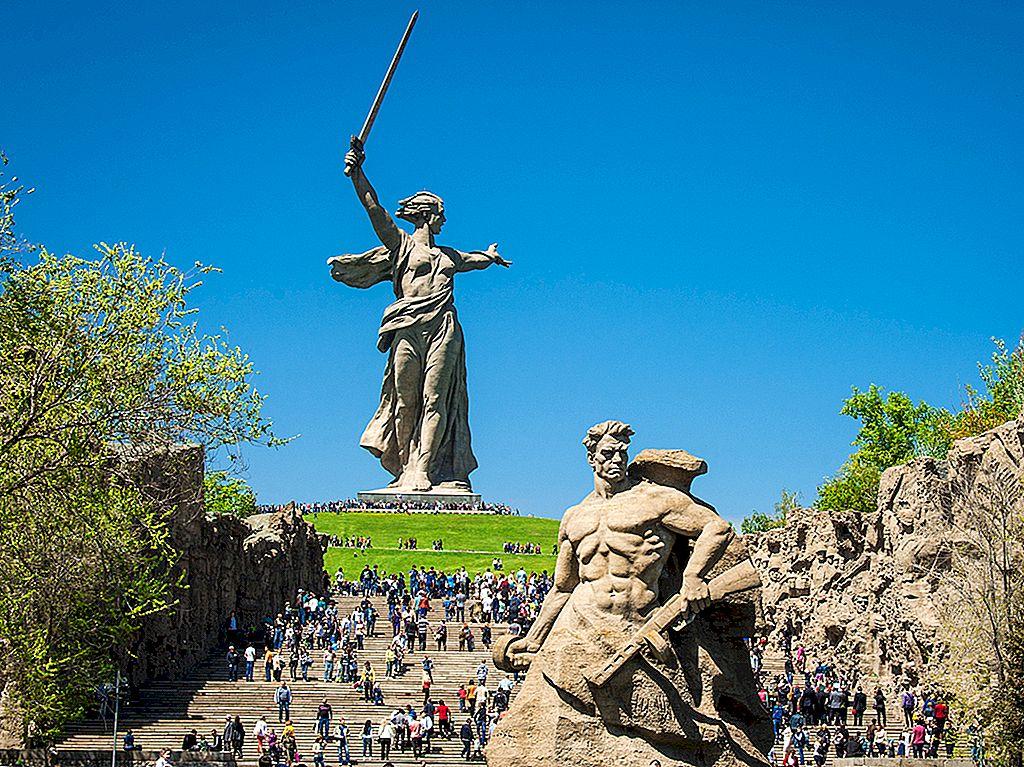 Epic istorie al doilea război mondial și puternic Volga: explorarea Volgograd