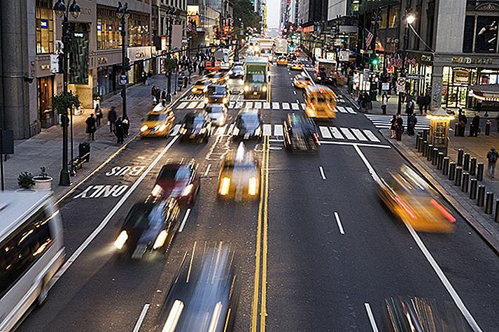 Cum - și cum nu - să traverseze strada din întreaga lume