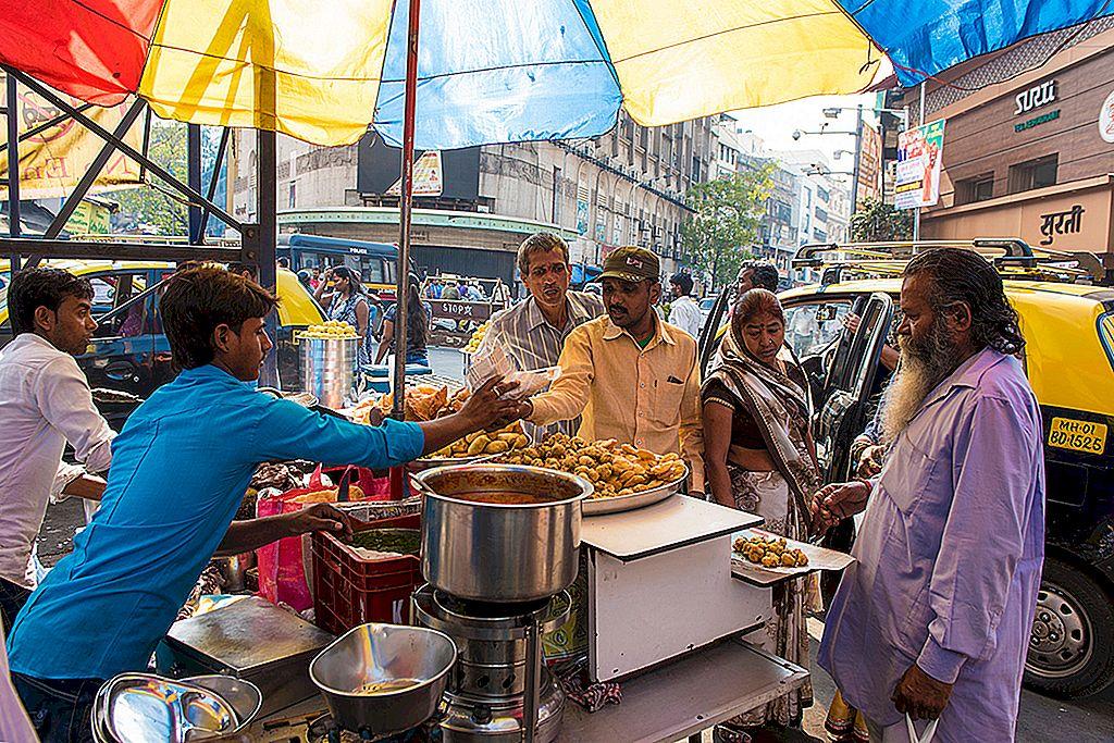 กินถนน: การค้นพบอาหารถนนที่ดีที่สุดของมุมไบ