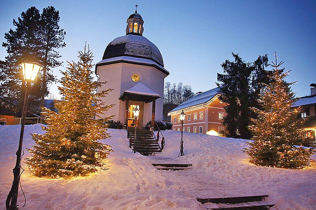 เทศกาลคริสต์มาส: เปิดตัว Silent Night in Austria - Lonely Planet