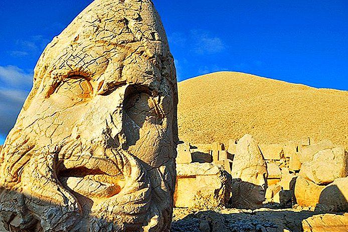 11 самых популярных туристических достопримечательностей в регионе Mount Nemrut