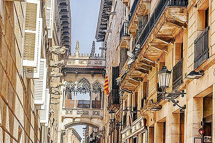Wo in Barcelona zu bleiben: Beste Gebiete und Hotels
